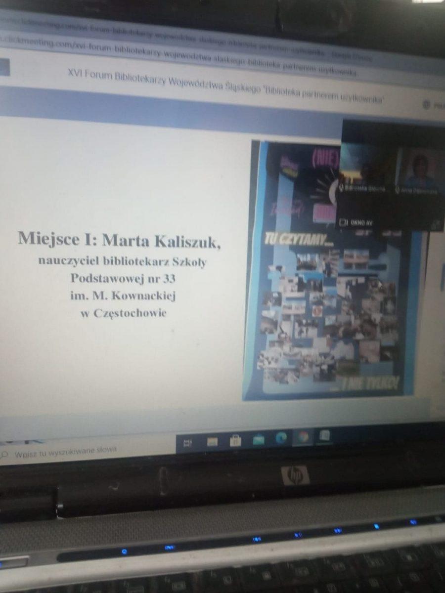 zdjęcie ekranu zplakatem iprzyznanym Imiejscem